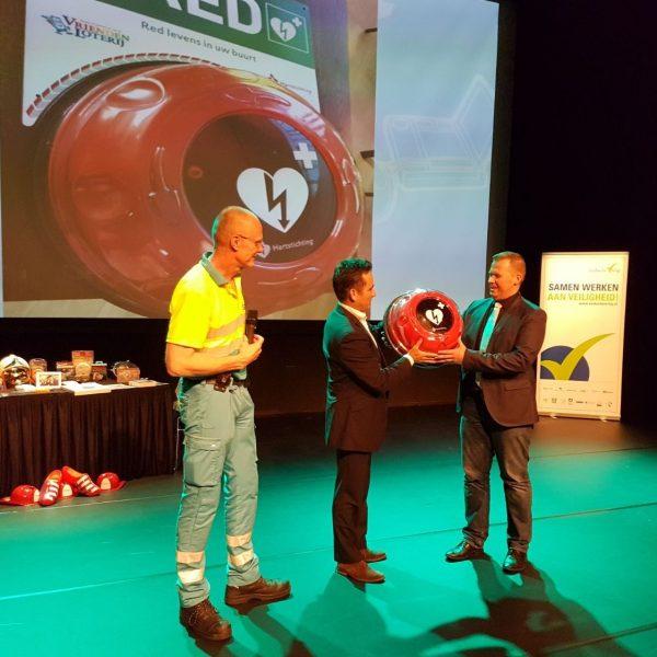 AED kast voor Plusmarkt